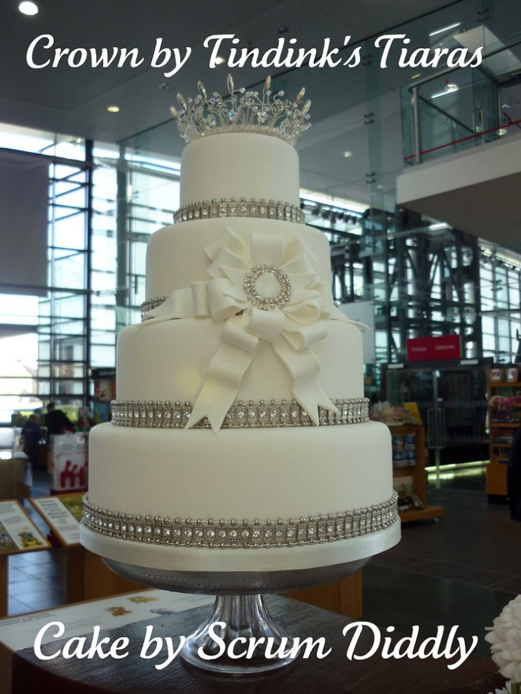Cakes and Crowns ~ a collaboration